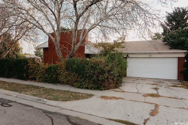 4631 S 1980 W, Taylorsville, UT 84129 (#1773034) :: Colemere Realty Associates