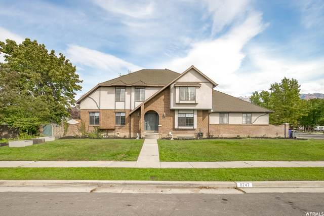 8747 S Glider Ln, Sandy, UT 84093 (#1774555) :: The Perry Group