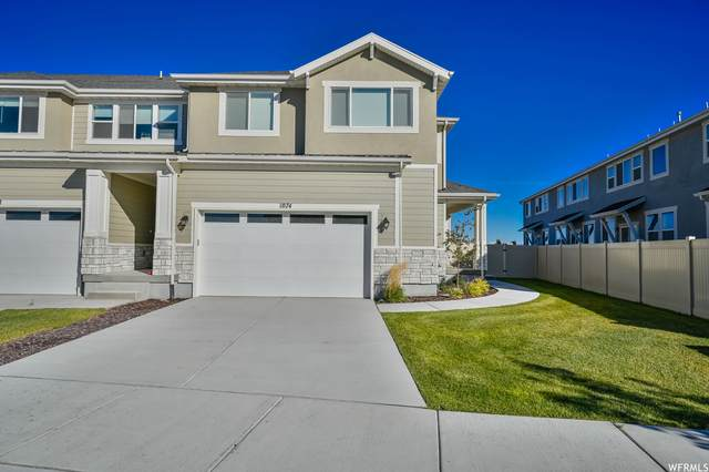 1074 W Chimney Pass Dr, Bluffdale, UT 84065 (#1775097) :: Powder Mountain Realty