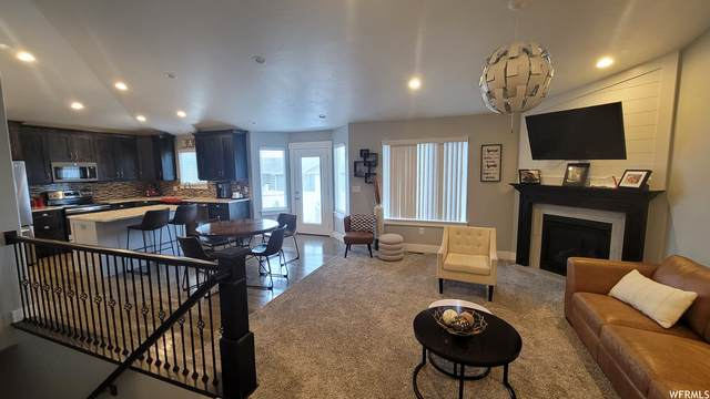 296 W Lauren Ln #207, Tooele, UT 84074 (#1775790) :: Bustos Real Estate | Keller Williams Utah Realtors