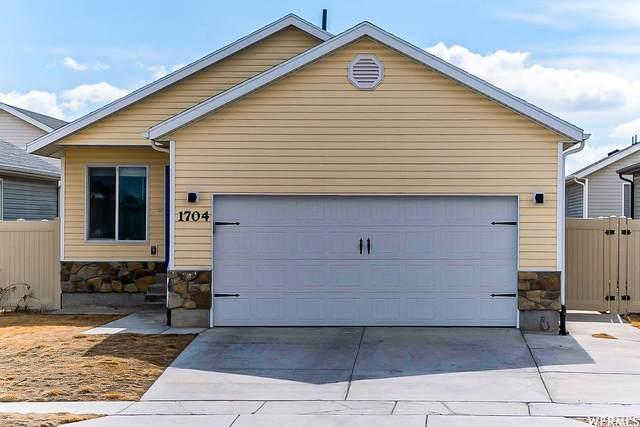 1704 E Tumwater Ln, Eagle Mountain, UT 84005 (#1728487) :: Berkshire Hathaway HomeServices Elite Real Estate