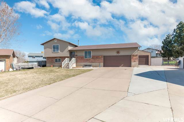 5862 S 2900 Cir W, Roy, UT 84067 (MLS #1732740) :: Lookout Real Estate Group