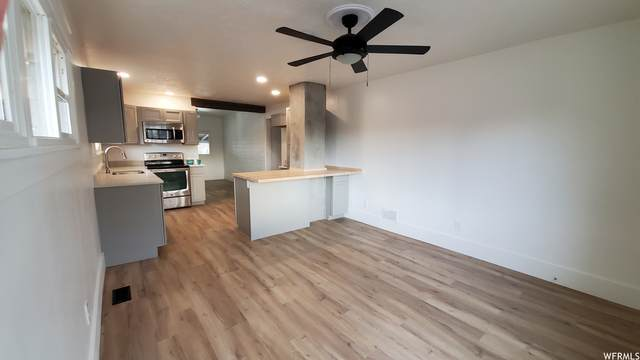 956 S Jefferson Ave Ave, Ogden, UT 84404 (MLS #1734465) :: Lookout Real Estate Group