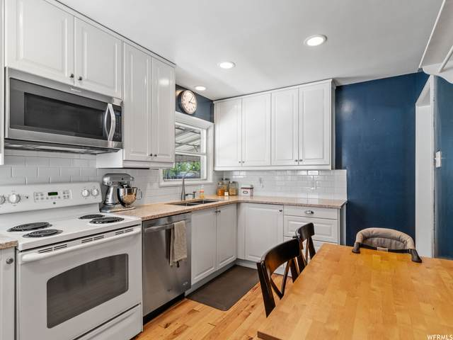 2096 E Crystal Ave, Salt Lake City, UT 84109 (#1743065) :: Gurr Real Estate