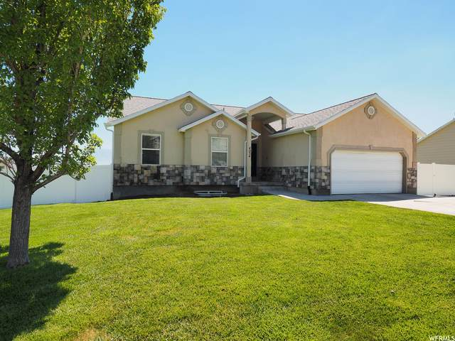 4054 S Mountain Moon Dr, Saratoga Springs, UT 84045 (#1750583) :: Utah Real Estate