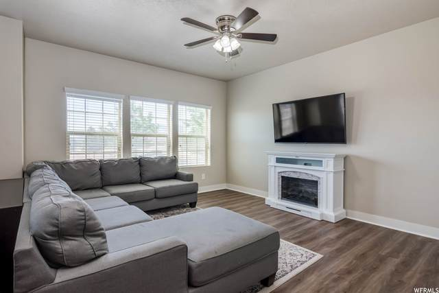 117 E Carbonell Way, Saratoga Springs, UT 84045 (#1752533) :: The Perry Group