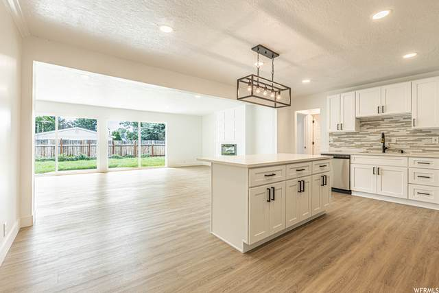 6834 S Meadow Dr, Cottonwood Heights, UT 84121 (#1759221) :: The Lance Group