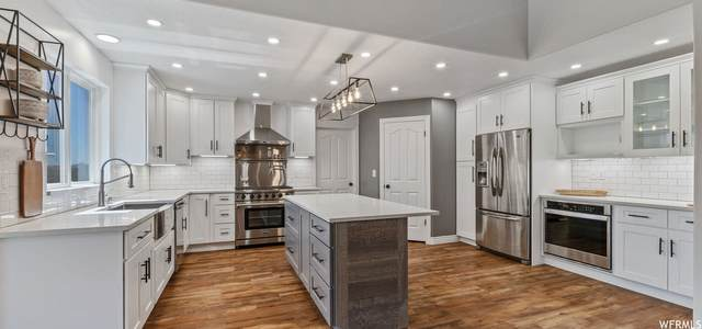2254 Country Oaks Dr, Layton, UT 84040 (#1762228) :: Bustos Real Estate   Keller Williams Utah Realtors