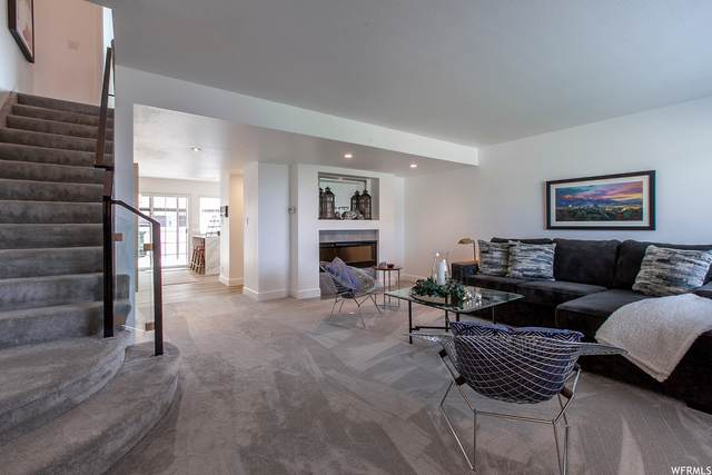 42 S Benchmark Village Dr E #42, Tooele, UT 84074 (#1763828) :: Exit Realty Success