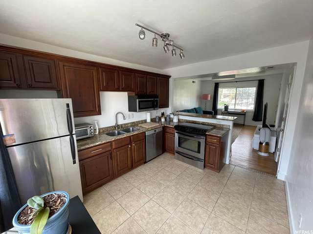 808 E 300 S #31, Salt Lake City, UT 84102 (#1765641) :: Bustos Real Estate | Keller Williams Utah Realtors