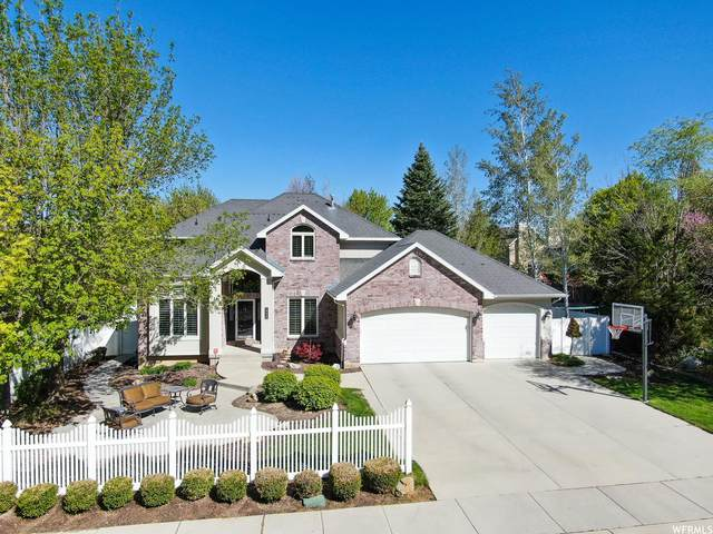 1777 E Indian Wells Ln, Draper, UT 84020 (#1740278) :: Doxey Real Estate Group