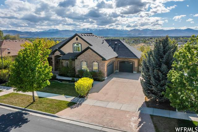 11992 S Sunset View Ln W, Draper, UT 84020 (#1741565) :: The Perry Group