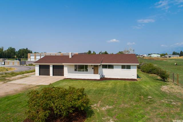 5574 W 5500 S, Hooper, UT 84315 (#1766771) :: Doxey Real Estate Group