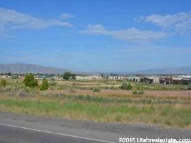 1100 Expressway Ln - Photo 1