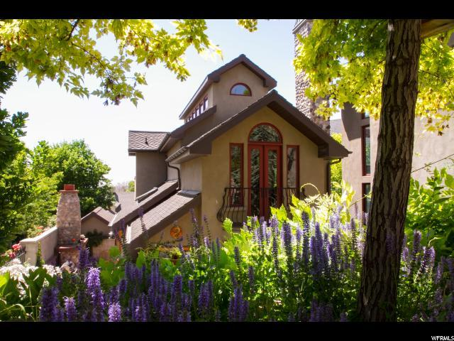 615 N West Capitol St E, Salt Lake City, UT 84103 (#1429285) :: goBE Realty