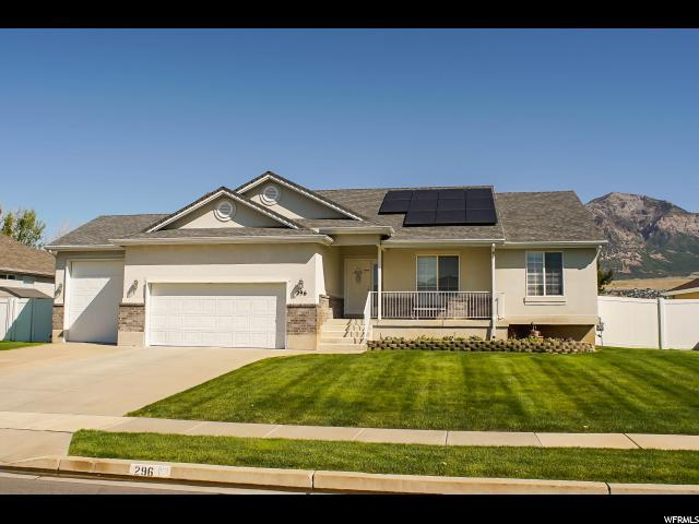 296 W 1875 N, North Ogden, UT 84414 (#1482436) :: The Utah Homes Team with HomeSmart Advantage