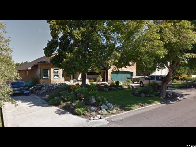 2219 Panorama Way E, Holladay, UT 84124 (#1492079) :: William Bustos Group | Keller Williams Utah Realtors