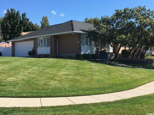 261 Shari Cir, Bountiful, UT 84010 (#1492749) :: Home Rebates Realty
