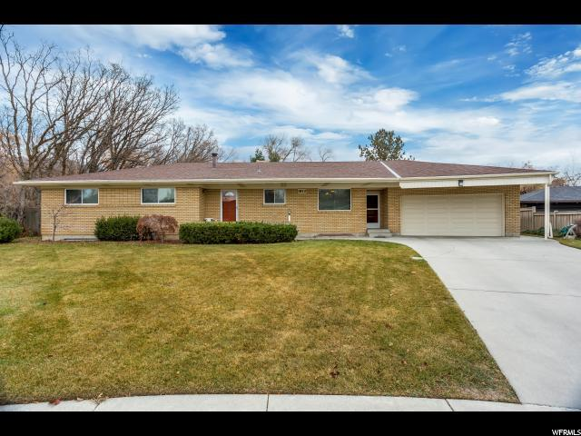 1872 E Laurelwood Cir, Holladay, UT 84121 (#1493430) :: RE/MAX Equity