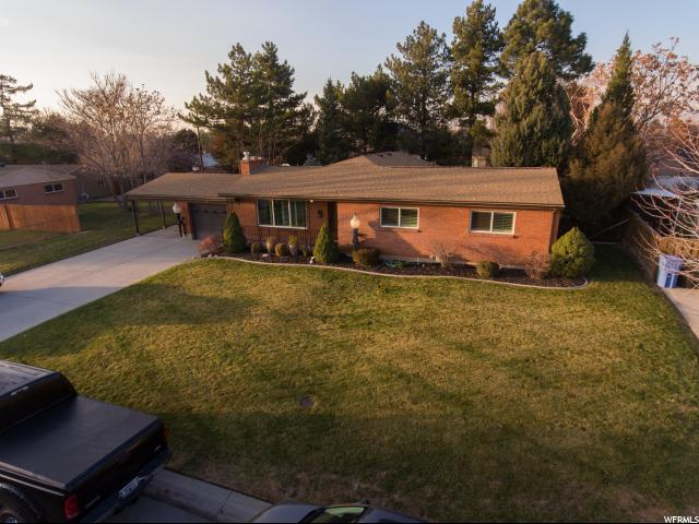 1931 E Meadow Dr S, Cottonwood Heights, UT 84121 (#1494545) :: Colemere Realty Associates