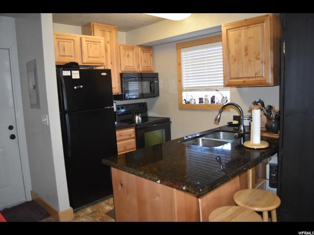 929 N Harbor Village Dr E 120A, Garden City, UT 84028 (#1495235) :: Bustos Real Estate | Keller Williams Utah Realtors