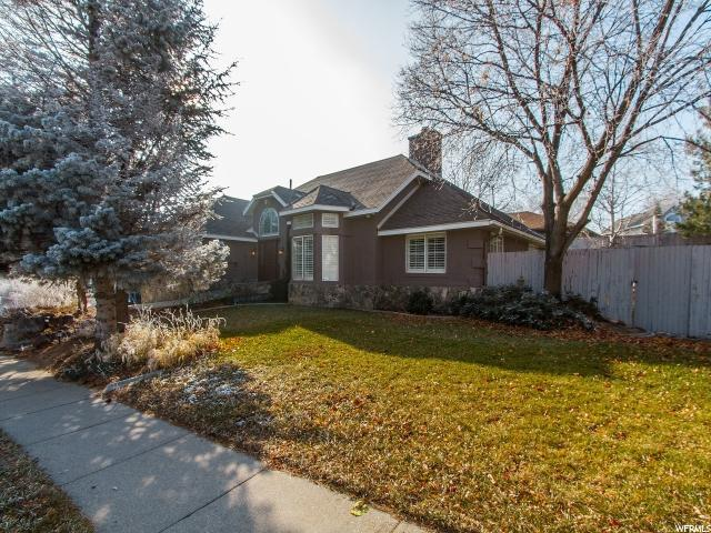 11602 S Colchester Dr E, Sandy, UT 84092 (#1496081) :: The Utah Homes Team with HomeSmart Advantage