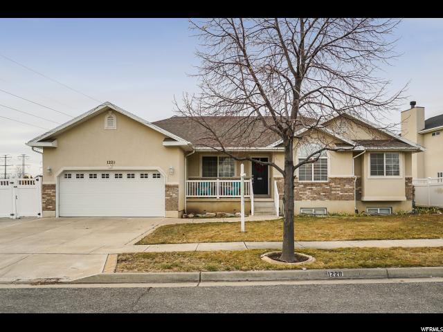 1228 S Bridge Park Way, Layton, UT 84041 (#1500798) :: Home Rebates Realty