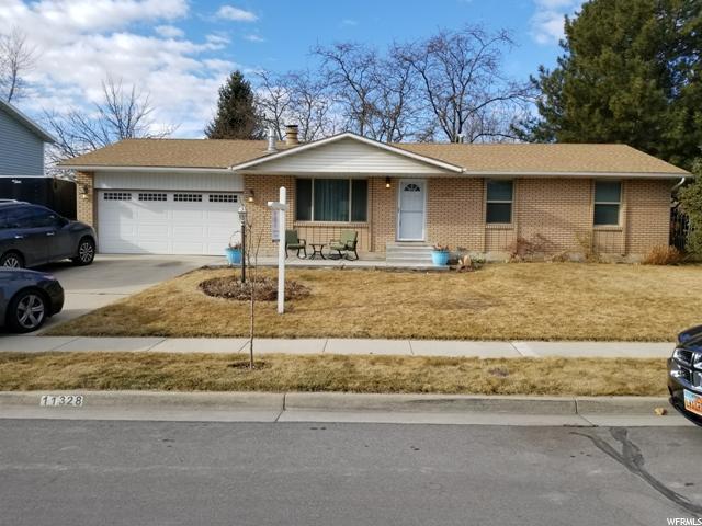 11328 S Sandy Creek Dr, Sandy, UT 84094 (#1505458) :: The Utah Homes Team with iPro Realty Network