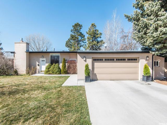 5066 S Moor Dale Cir E, Holladay, UT 84117 (#1511060) :: Colemere Realty Associates