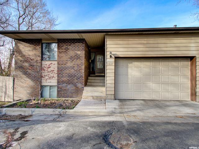 2227 E Lincoln Ct S, Holladay, UT 84124 (#1511148) :: Colemere Realty Associates