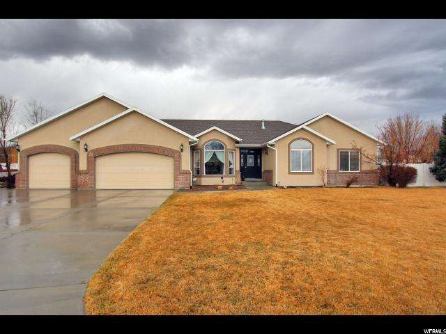 1201 W Sun River Dr, Riverton, UT 84065 (#1511248) :: Colemere Realty Associates