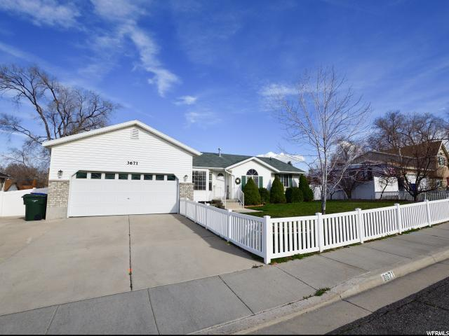 3671 S Brook Hollow Ct W, West Valley City, UT 84128 (#1514934) :: Exit Realty Success