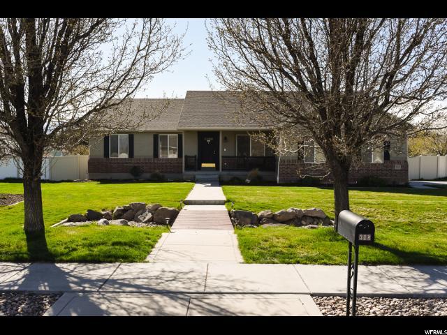 318 Lariat Way, Grantsville, UT 84029 (#1516390) :: Exit Realty Success