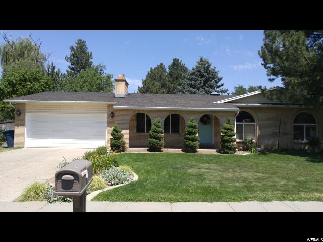 1447 E 9200 S, Sandy, UT 84093 (#1518283) :: Bustos Real Estate | Keller Williams Utah Realtors