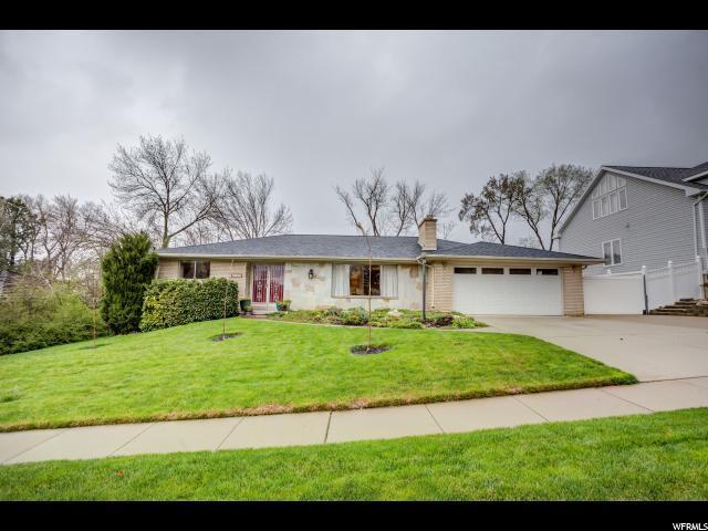 2933 E Juniper Way S, Holladay, UT 84117 (#1518328) :: Bustos Real Estate   Keller Williams Utah Realtors