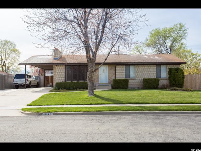 2819 Whitehall Dr W, West Valley City, UT 84119 (#1518966) :: Bustos Real Estate | Keller Williams Utah Realtors