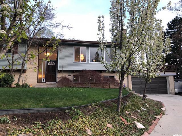 2998 E Kohala Dr, Holladay, UT 84117 (#1518986) :: Bustos Real Estate   Keller Williams Utah Realtors