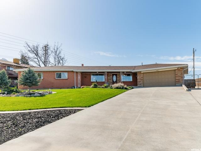 7415 S Butler Hills Dr, Cottonwood Heights, UT 84121 (#1519311) :: goBE Realty