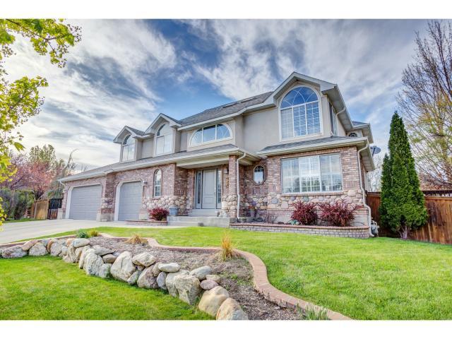1583 E Stablewood Cir S, Holladay, UT 84117 (#1520660) :: Bustos Real Estate | Keller Williams Utah Realtors