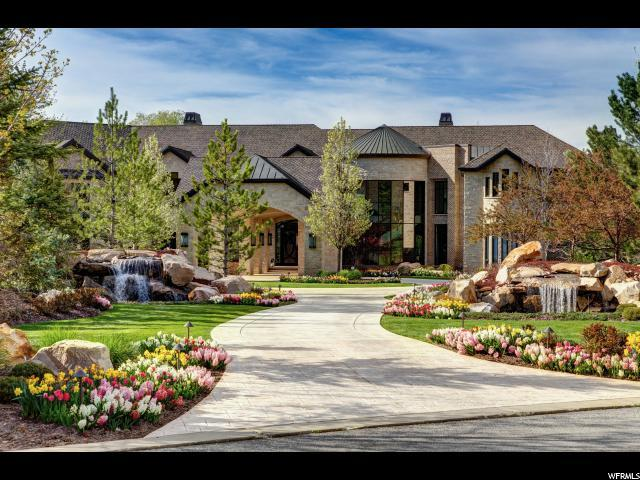 2575 E Providence Ct, Holladay, UT 84121 (#1521045) :: goBE Realty