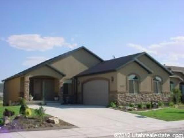 3532 E Heyward Dr N, Eagle Mountain, UT 84005 (#1524560) :: Colemere Realty Associates