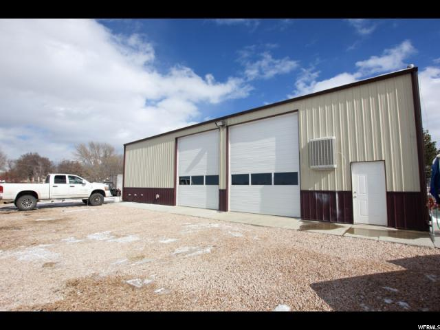 1957 N 2000 W, Farr West, UT 84404 (#1526276) :: Colemere Realty Associates