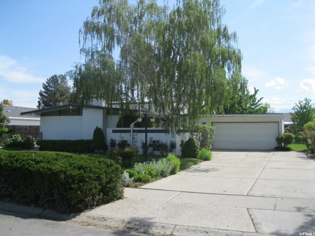 4151 S Bennion Rd W, Taylorsville, UT 84119 (#1526321) :: Exit Realty Success
