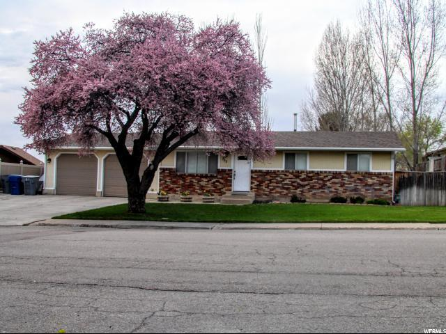 705 E Cherry Hill Dr, Pleasant Grove, UT 84062 (#1526483) :: R&R Realty Group