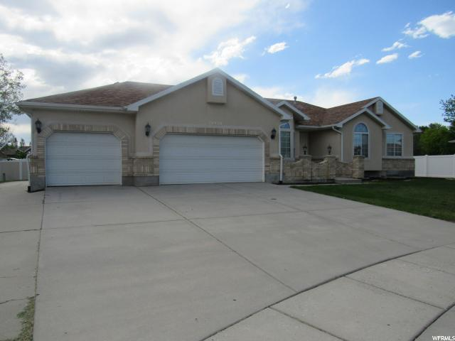 10928 S Wood Stone Cir W, South Jordan, UT 84095 (#1526530) :: Home Rebates Realty