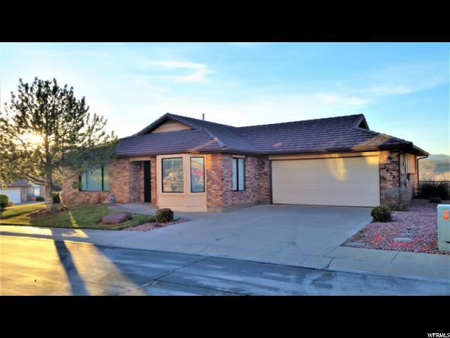 2398 S Canterbury Rd, St. George, UT 84790 (#1526565) :: Colemere Realty Associates