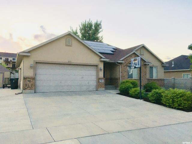 1268 S Foothill Dr, Santaquin, UT 84655 (#1526596) :: R&R Realty Group