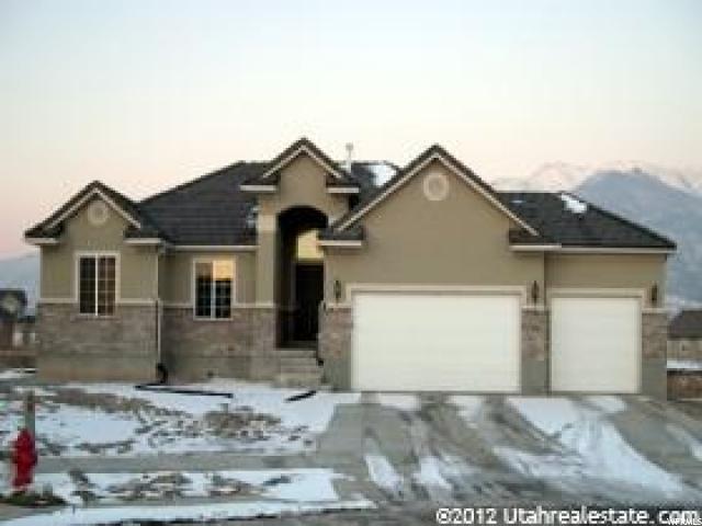 178 N Eastfork Cir, Farmington, UT 84025 (#1526660) :: Bustos Real Estate | Keller Williams Utah Realtors