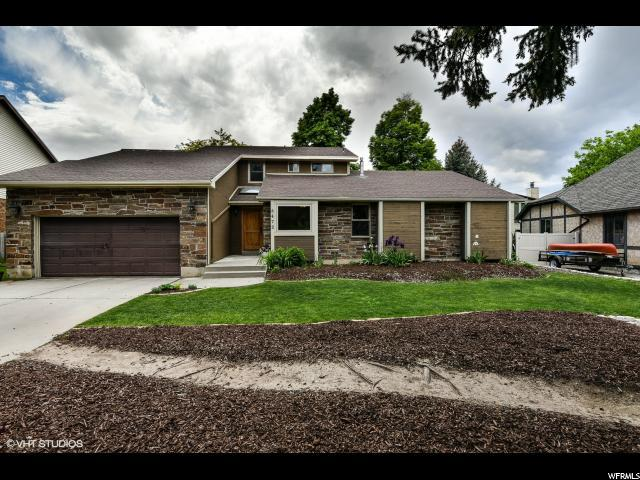 8472 Taos Dr, Sandy, UT 84093 (#1526790) :: Action Team Realty