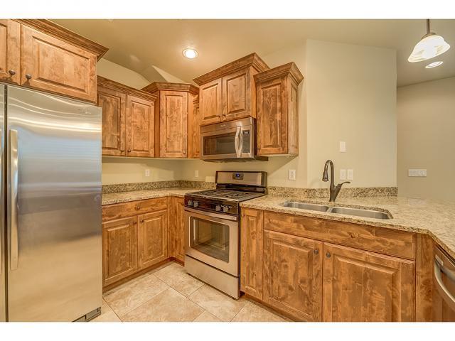 5198 N University Ave #203, Provo, UT 84604 (#1527243) :: Big Key Real Estate